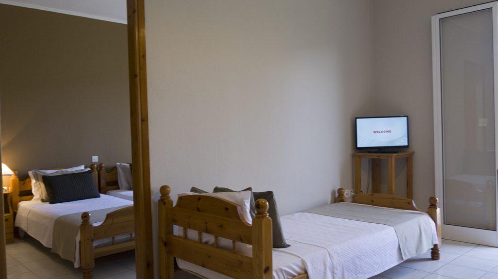 Fani Hotel Agios Nikolaos Edipsos - Family Apartment